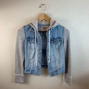 ✨Target Mossimo Supply Co. cropped jean jacket